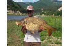 На озере Цанков камък на Юге Болгарии пойман карп на более, чем 17 кило
