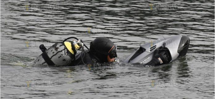 ВМС Болгарии в Варне получили подводный двигатель