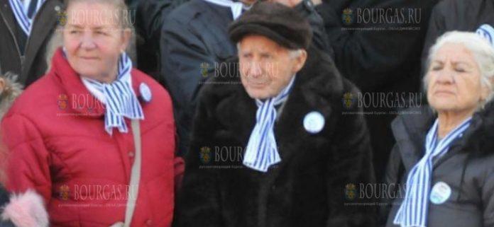 в День Святого Николая муниципалитет Бургаса поздравил с праздником 102-летнего Николая Мечкова