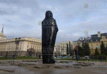 В Софии, на площади Княз Александър I появилась мумия