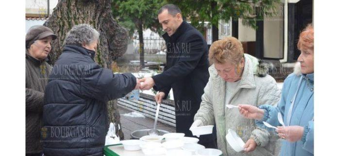 350 порций курицы курбан раздали на Ивановден в пловдивском районе Северен