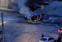 У молдавского водителя сгорел авто по пути из Бургаса в Варну