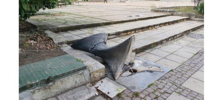 Вандалы разбили уникальный фонтан в Варне