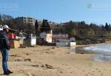 Море снова съело Южный пляж Несебра
