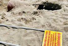 Ребенок упал в яму на пляже в Крайморие