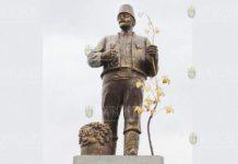 В Украине памятник Ленину переделали в монумент болгарскому колонисту