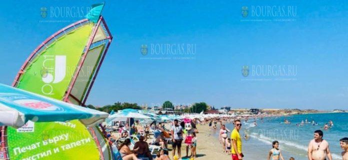 на пляжах в Болгарии зеленый флаг