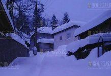 В Родопских селах в Болгарии в последние дни скопилось много снега