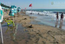 из-за волнения моря отменили плавательный марафон в Бургасе