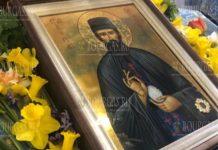 Чудотворная икона с мощами преподобного Ефрем Нови
