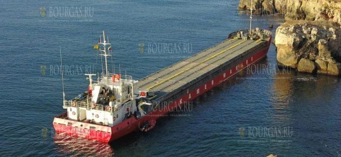 Грузовое судно село на мель в территориальных водах Болгарии